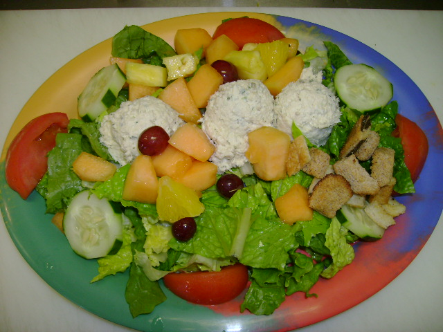 Cold Salad Plate - Chicken Salad w/Fruit
